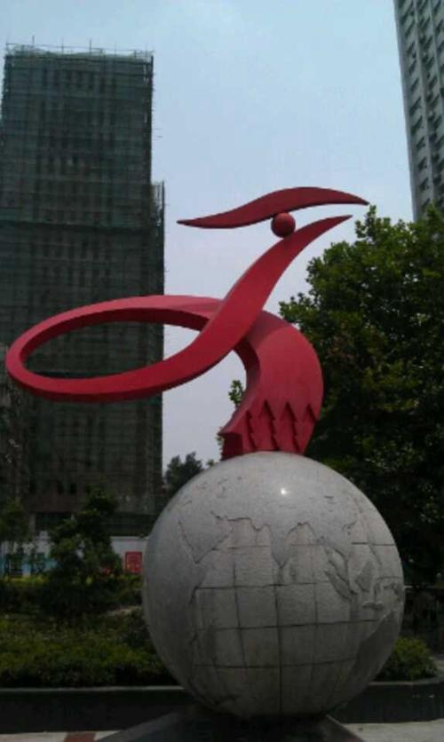 武汉雕塑公司介绍玻璃钢雕塑为什...